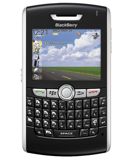 212blackberry8800_440×550.jpg